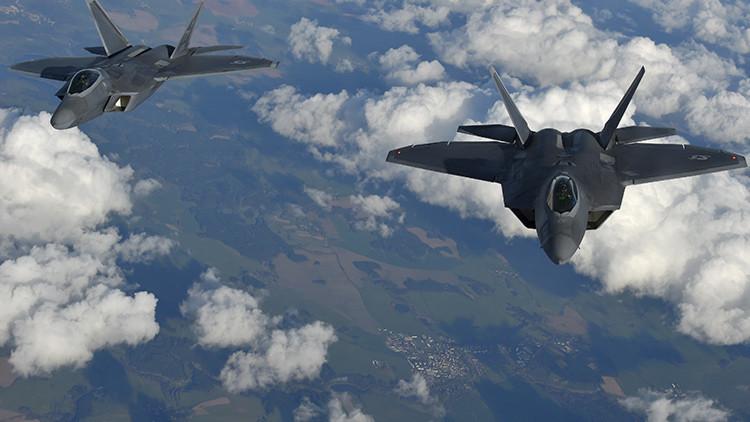 """""""Comprar nuevos F-22 es muy mala idea"""": ¿por qué el caza Raptor de EE.UU. no es bienvenido?"""