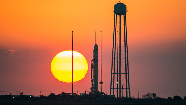 Cómo la Fuerza Aérea de EE.UU. derriba a su industria espacial