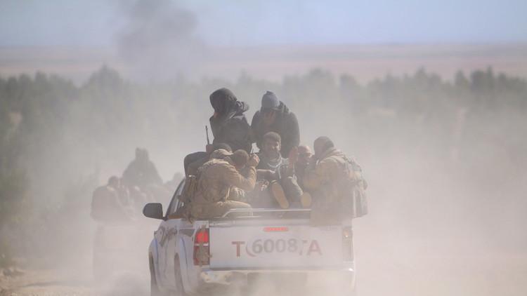 Golpe certero: coche bomba blindado del EI es interceptado y volado en mil pedazos (video)