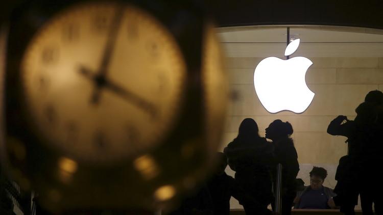 ¿A qué se debe la histórica caída en ingresos de Apple?