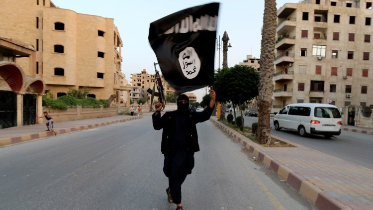 El Estado Islámico ejecuta a 7 civiles ahogándolos en una piscina dentro de jaulas metálicas