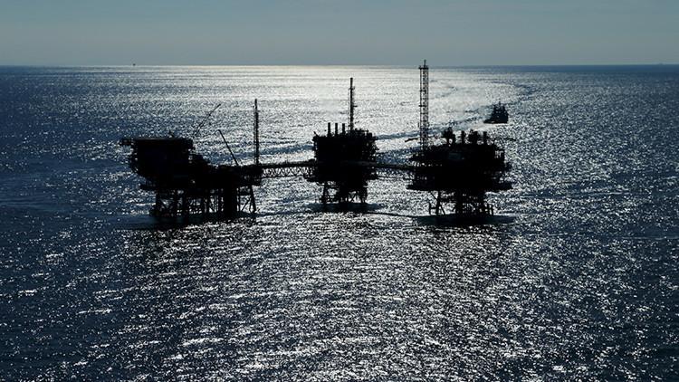 ¿Cómo un sabotaje armado cambia los precios mundiales del petróleo?