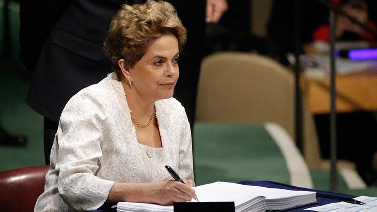 """Dilma Rousseff: """"Lucharé  hasta que la democracia sea respetada en Brasil"""""""