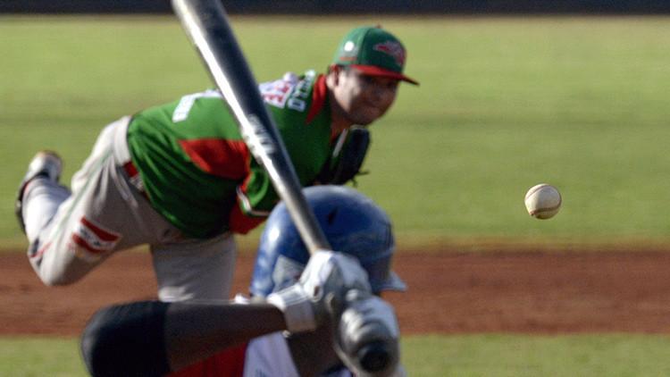 México: muere un jugador de béisbol al ser alcanzado por una bala perdida