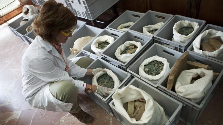 España: Descubren 600 kilos de monedas romanas en un parque