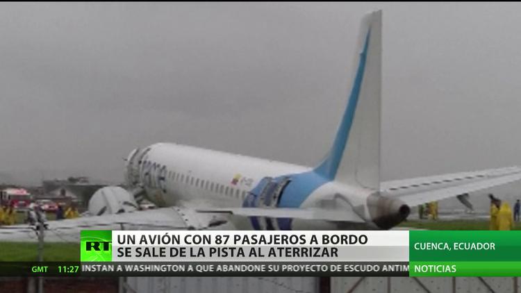 Ecuador: un avión con 87 pasajeros a bordo se sale de la pista al aterrizar