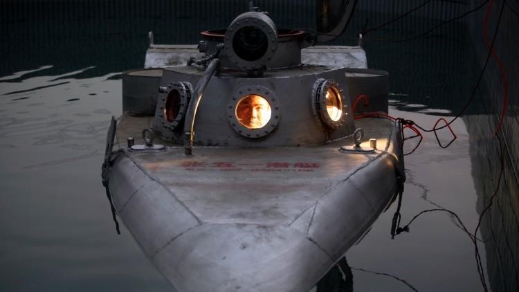 Fotos: Un campesino chino construye y patenta un submarino que cuesta 770 dólares