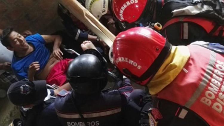 Ecuador: Rescatan a hombre de 72 años que sobrevivió 13 días bajo los escombros