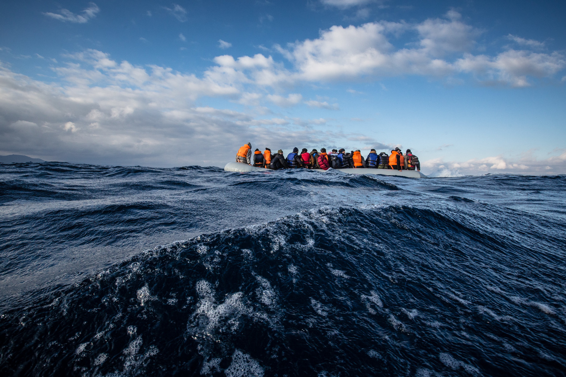 En diciembre de 2015. Todas las personas fueron rescatadas con éxitos y trasladadas a la bahía de Metimna.