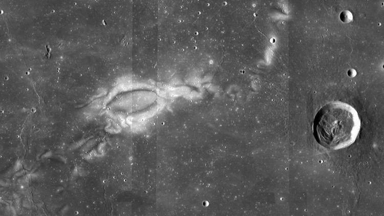 Los tatuajes de la Luna: la Nasa presenta una nueva visión de los remolinos lunares