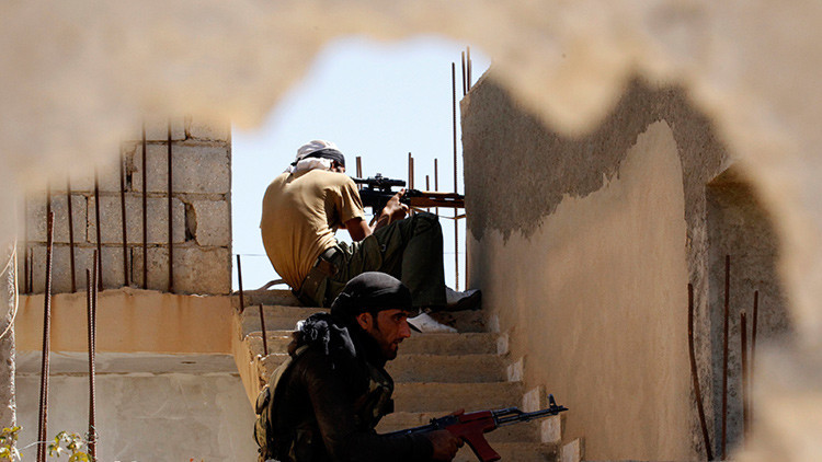 ¿Por qué el Estado Islámico cubre Raqa con lonas?
