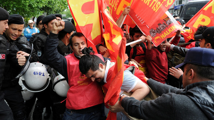 Estambul: Un muerto mientras la Policía dispersa con gas lacrimógeno la manifestación del 1 de mayo