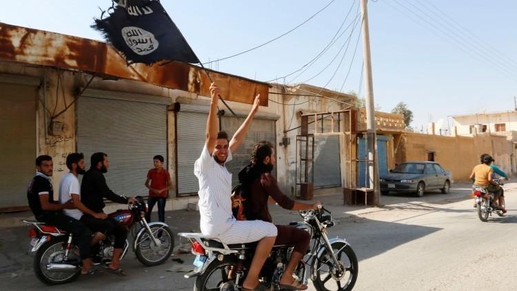 """Hermanos matando hermanos"": Exyihadista revela la ""falsa e inhumana"" vida dentro del EI"