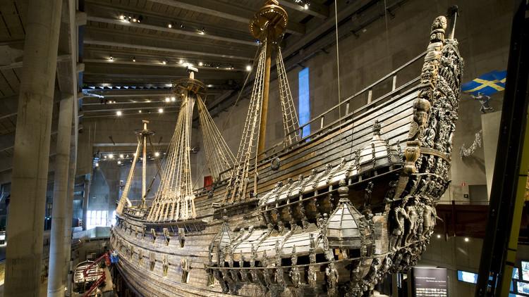 Dos antiguos navíos son hallados sumergidos en el centro de Estocolmo