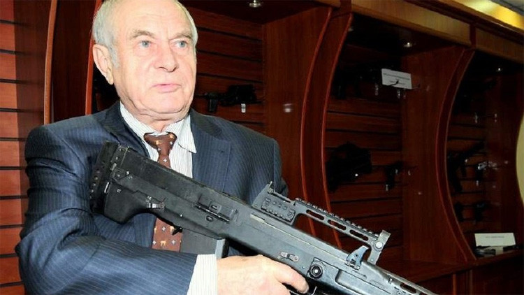 Patentan en Rusia un arma que dispara distintas municiones sin vaina