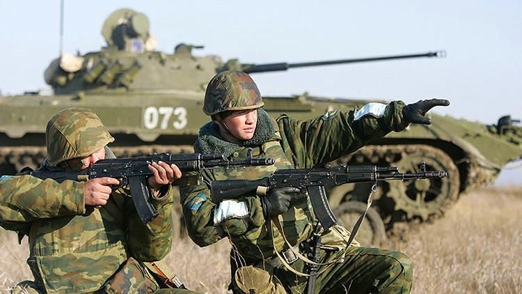 """Rusia creará tres divisiones para """"contrarrestar el aumento de las fuerzas de la OTAN"""""""