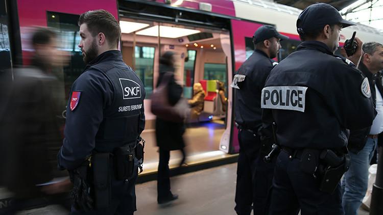 Francia: El video de un control policial a un hombre con discapacidad indigna a los internautas