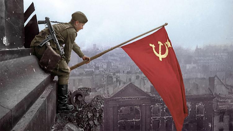 """Los estadounidenses creen que ellos vencieron a Hitler y que la Unión Soviética """"apenas ayudó"""""""