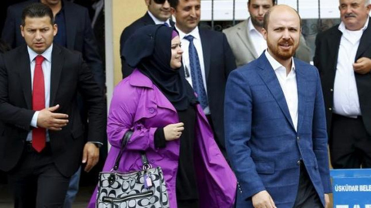 Bilal Erdogan, hijo del presidente turco, Recep Tayyip Erdogan, y su esposa.