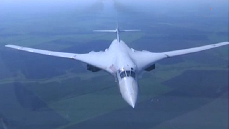 Video: El espectacular vuelo del 'Cisne Blanco' ruso