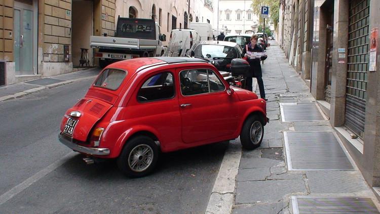La verdad sale a la luz: Ellas o ellos, ¿quién es más torpe estacionando el auto?