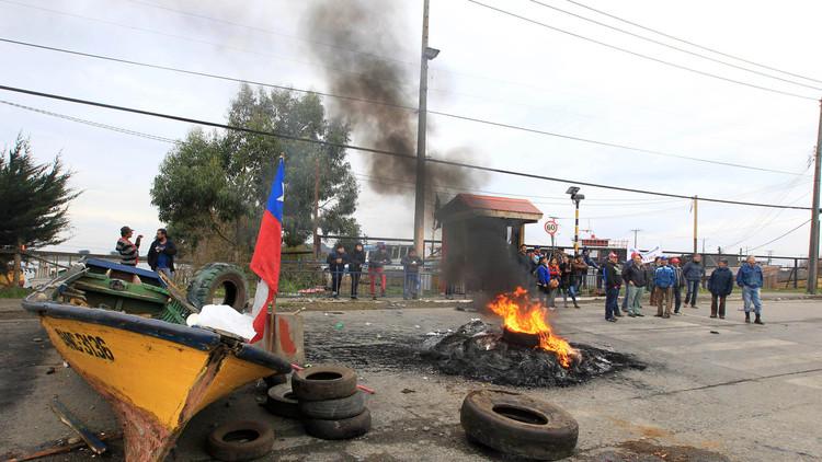 Chile ante la 'marea roja': el Gobierno mejora la oferta a los pescadores de Chiloé