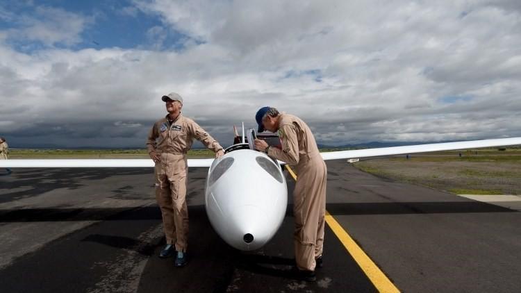 Un avión sin motor que llega donde las naves motorizadas no alcanzan (fotos, video)