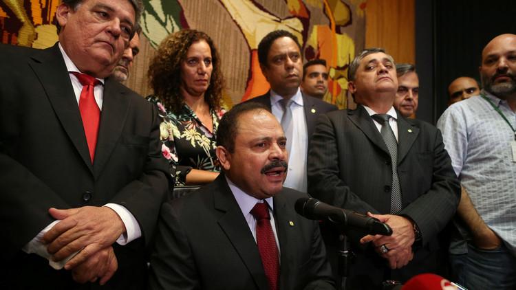 El presidente de la Cámara Baja de Brasil, Waldir Maranhão, habla durante una rueda de prensa en Brasilia, 9 de mayo de 2016.
