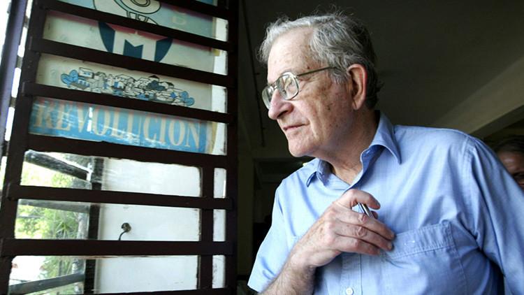 Chomsky explica cómo EE.UU. está perdiendo su influencia global