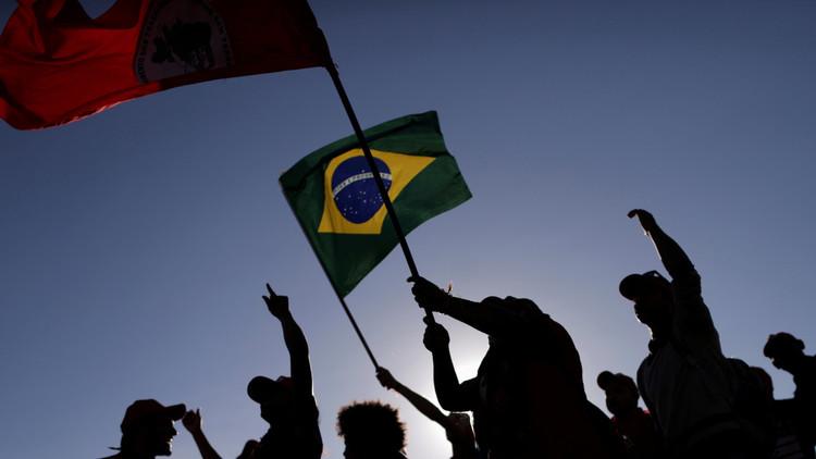 Movilizaciones multitudinarias en defensa de la democracia en Brasil (video, fotos)