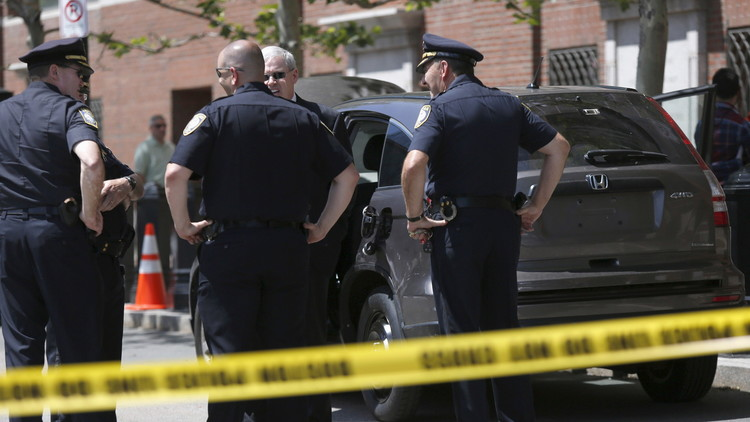 Dos muertos por arma blanca en un centro comercial de Massachusetts