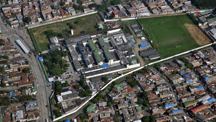 Vista aérea del penal de Villahermosa, Cali, Colombia