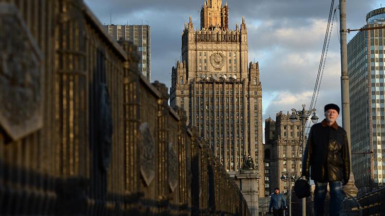 Rusia responde a EE.UU. que se preocupe por su propia influencia en el espacio