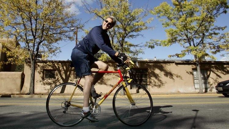 John Kerry estuvo a punto de provocar un incidente internacional por montar en bicicleta