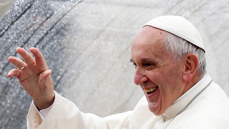 """El papa critica a los que """"exageran el interés hacia los animales y son indiferentes con el prójimo"""""""