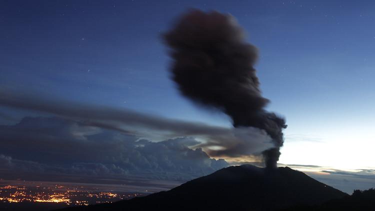 Video espectacular en infrarrojo del corazón del volcán en erupción de Costa Rica