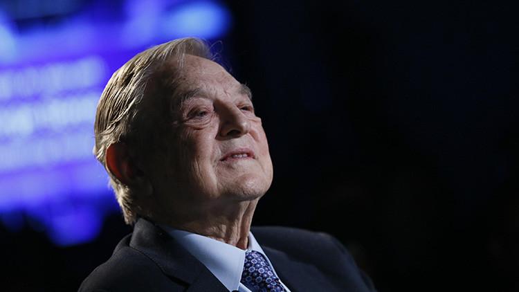 La estrategia de Soros: vender acciones de EE.UU. y comprar oro