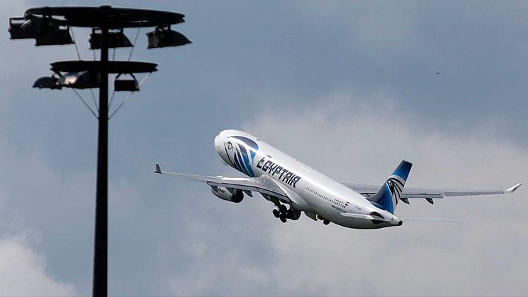 ¿Ironías del destino?: Azafata del A320 de Egyptair publicó una inquietante foto en la Red