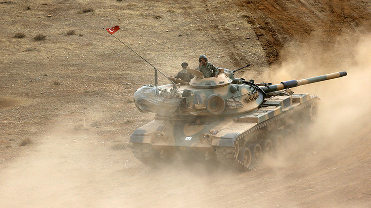 Kurdos sirios afirman que militares turcos han cruzado la frontera de Siria
