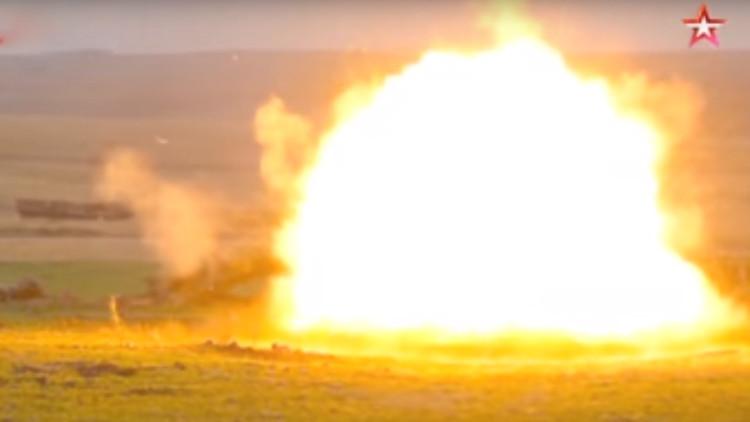 """'Abejorro', el lanzallamas ruso que convierte los objetivos en """"bolas de fuego"""" (VIDEO)"""