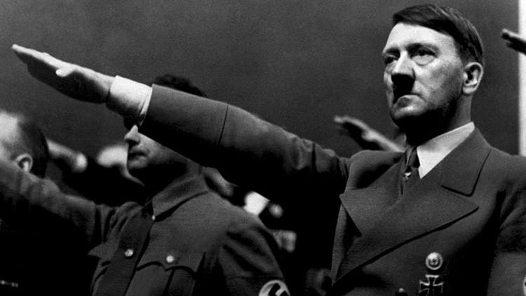 Las fotos que Hitler mandó a destruir se divulgan 90 años más tarde