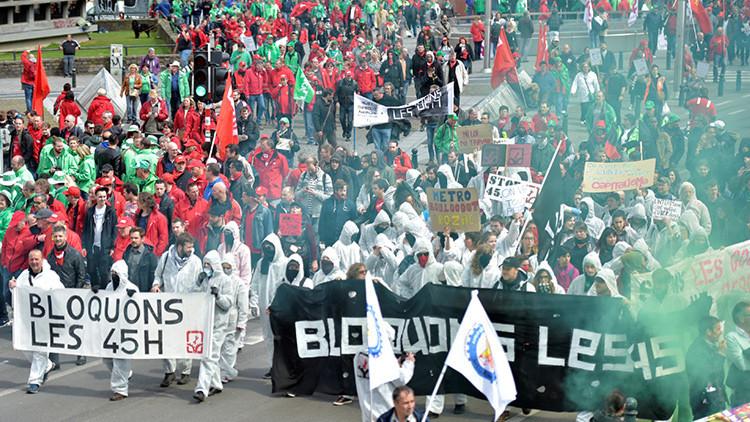 Manifestantes belgas se enfrentan a la Policía en protestas contra el Gobierno