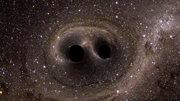 ¿Qué podrían tener en común los agujeros negros y la materia oscura?