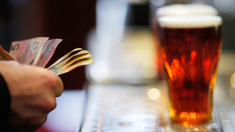 Científicos resuelven la incógnita de si el alcohol da la felicidad