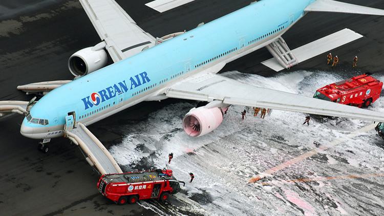 Espectacular evacuación de un Boeing 777 de Korean Air por un incendio (Video y Fotos)