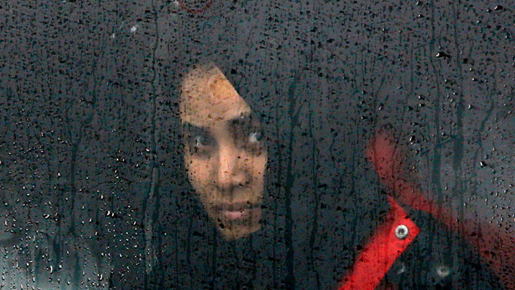 Clérigos pakistaníes explican cuándo es legal pegar a una mujer