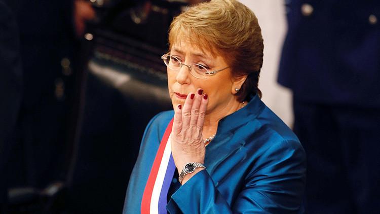 """¿Próxima víctima? Bachelet tacha de """"calumnia"""" las acusaciones de corrupción"""