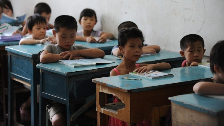 Educarse puede costar la vida: el aterrador camino a la escuela de unos niños chinos (Video)