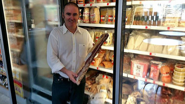 ABC censura a un empresario español en Venezuela que reveló que hay supermercados para ricos