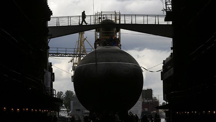 Ceremonia de la botadura del submarino Rostov-en-Don para la flota del mar Negro, 2014.